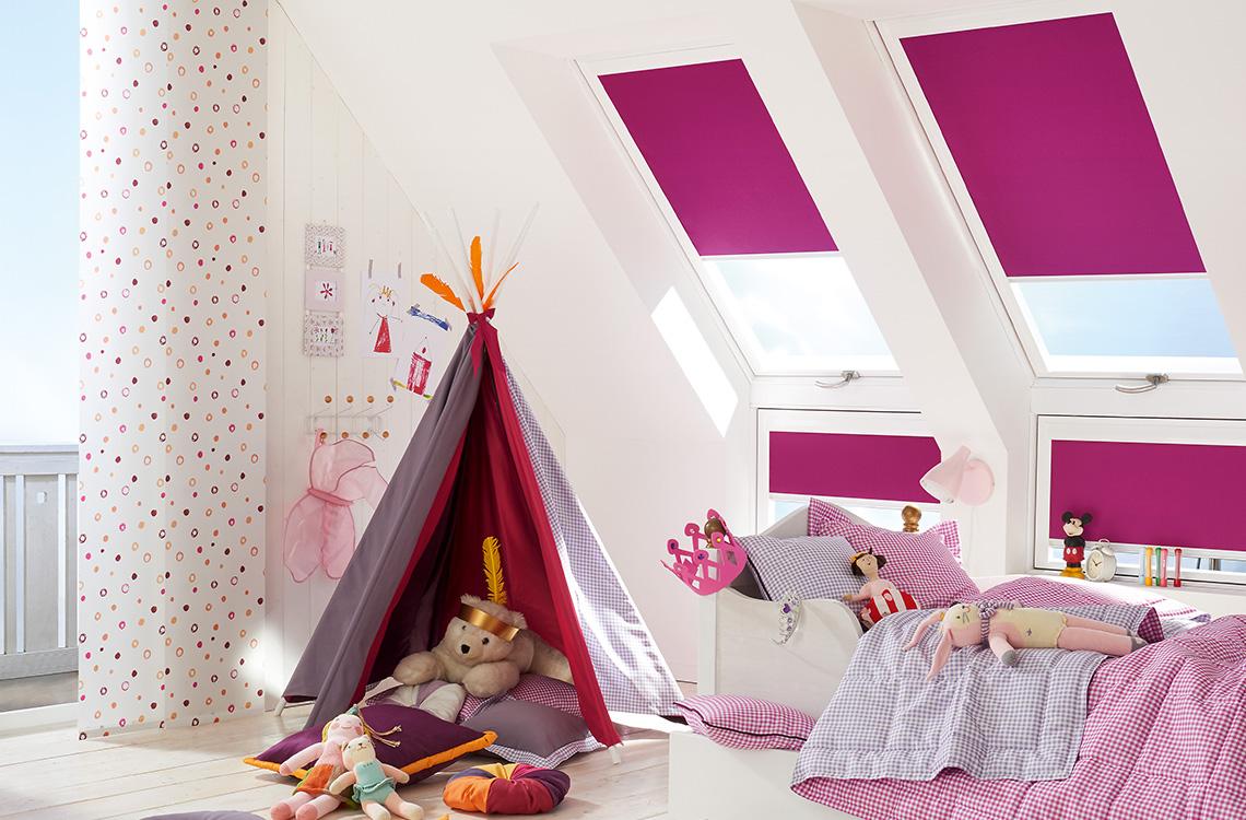 Geyer Farbe + Raum Kulmbach Saum und Viebahn Dachfenster Sonnenschutz Plissee